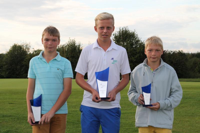 Alexander Meins (2. Platz), Max-Oliver Ickes (Clubmeister 2014), Julius Meins (3. Platz)