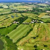 Luftaufnahme - Blick über Den Maritim Golfpark Ostsee