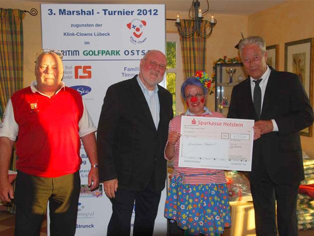 Scheckübergabe mit Björn Engholm - Marshall Turnier 2012