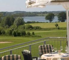 Mulligan´s Bistro - Obere Terrasse Mit Blick Auf Hemmelsdorfer See