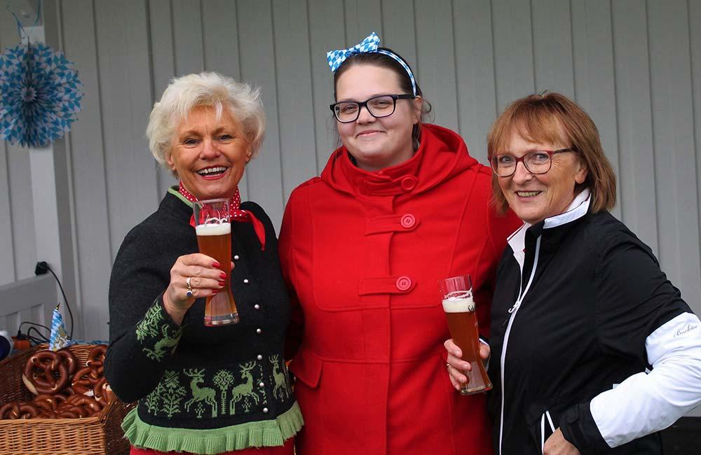 Prost: Anstoß zum Oktoberfestturnier 2019