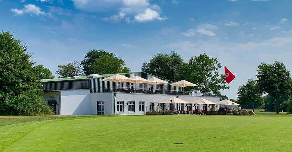 Aussenansicht Restaurant TeeTime Im Maritim Golfpark Ostsee