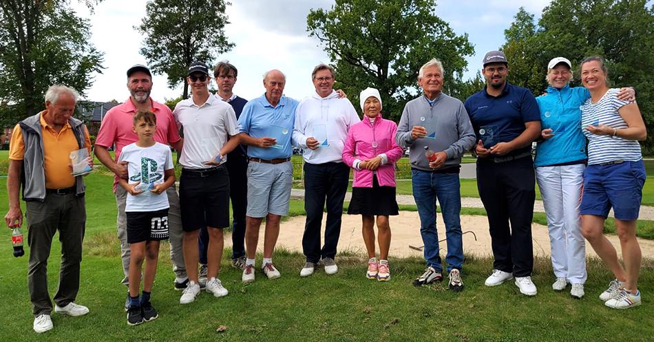 Sieger:innen und Platzierte der Golfpark-Meisterschaften 2021.