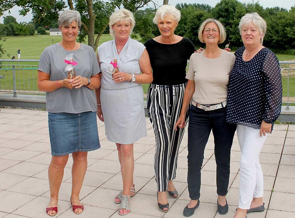 Seerosen begrüßen Seepferdchen - Turniersiegerinnen