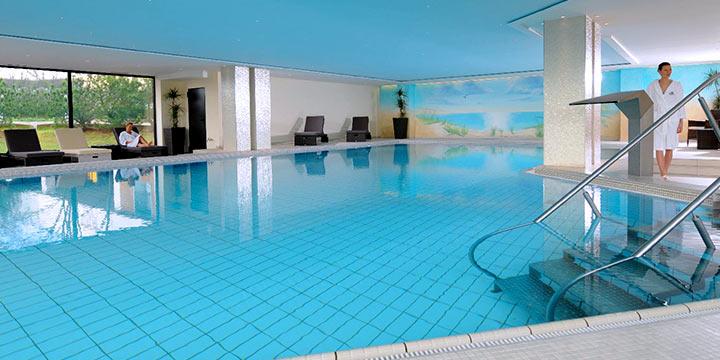 Maritim Strandhotel - Schwimmbad